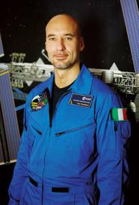 """Due """"Passeggiate nello Spazio""""  per l'astronauta Luca Parmisano"""