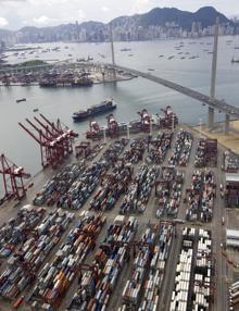 """Meno male che il """"container"""" c'è!  ha rivoluzionato il """"mondo cargo"""""""