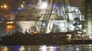 La tragedia di Genova: divampa la polemica  Belfiore: grave errore solo 2 rimorchiatori  Gli armatori: bastavano, ma è colpa loro