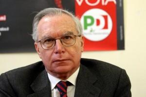 """Le critiche di Renzi:  il Governo è nelle """"sabbie mobili""""  ma Matteo dice di non volerne la fine"""