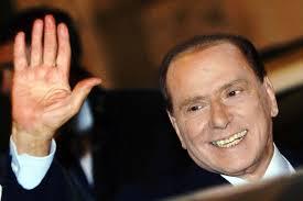 """Mentre Letta fa il diplomatico al G8  Berlusconi lo invita a usare la """"vanga"""""""
