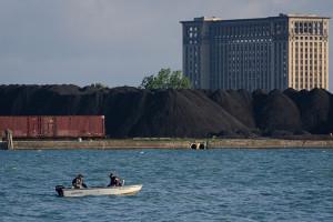 A Detroit una nuova Ilva americana?  Montagne di carbone per far petrolio