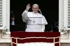 """Papa Francesco all'Angelus:  """"Il Signore ci guarda sempre misericordioso.  Sempre ci perdona. Grazie per le preghiere"""""""