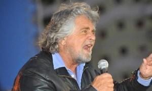Beppe Grillo rompe gli argini:  Vede Licio Gelli e la Loggia P2  dietro Berlusconi e Napolitano