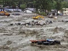 Disastri climatici!  Terribili inondazioni in India  Migliaia tra vittime e dispersi