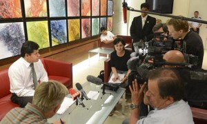 Nuovi colpi di scena sul caso spionaggio  Aereo Presidente Bolivia fermo in Europa  Ma a bordo non c'é Edward Snowden