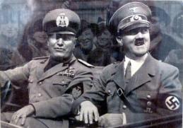 """Una volta oggi:  il 25 luglio 1943 Mussolini a Palazzo Venezia  sfiduciato dal """"Gran Consiglio del Fascismo"""""""