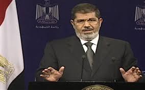 In Egitto è golpe. I militari prendono il potere  il Presidente Morsi agli arresti domiciliari.  Arresti, scontri e violenze. Situazione confusa  Nella notte finora 16 morti e 200 feriti