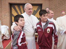 """Papa  Francesco insiste sulla sua Chiesa:  allegra, povera, gioiosa, misericordiosa  A Lampedusa """"periferia"""" del nostro oggi"""