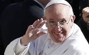 Francesco é a Rio accolto da un bagno di folla  Il corteo papale è rimasto più volte bloccato.  Il messaggio a giovani e grandi:  Carità e Misericordia. Amore per i poveri