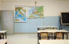 Professore di un istituto di Saluzzo (CN) fa sesso con due allieve minorenni ed è arestato dai carabinieri di Savigliano.