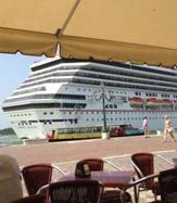 Venezia: anche da Celentano un allarme  L'alternativa c' é: l'alleanza con Trieste  dove si possono spostare le navi da crociera