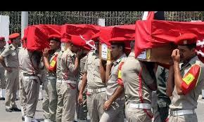 Attesa al Cairo per intervento esercito  Annunciato sgombero dei contestatori  12 sospetti terroristi uccisi nel Sinai