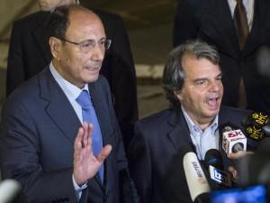 Il Pdl preme per trovare una soluzione a Berlusconi.  Al Quirinale per vedere come risolvere il caso  di un condannato che deve guidare un partito politico
