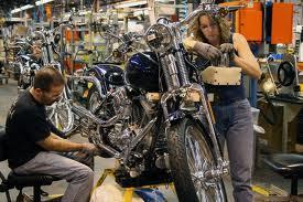 """28 Agosto 1903 un """"pezzo"""" di libertà  A Milwauke nasceva un mito: la Harley- Davidson"""