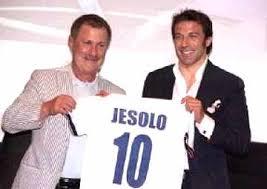 Federica Pellegrini festeggia il suo compleanno a Jesolo. Tra gli invitati Alessandro Del Piero.