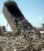 Caos totale sui rifiuti di Roma  Ora interviene anche la Difesa  provocando l'irritazione di Zingaretti