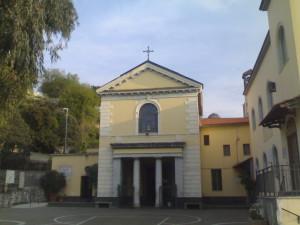 Si ripete il doppio miracolo di San Gennaro. Si liquefa il sangue a Napoli e si arrossa la pietra del santuario di Pozzuoli