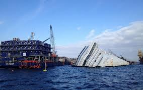 Ore decisive per gli abitanti del Giglio:  imminente il via al recupero del Concordia  se tutto Ok, la grande nave forse a Palermo