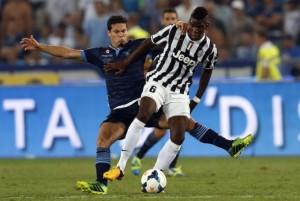 Lazio e Chievo travolte.  Juve e Napoli forza quattro.  Oggi Roma, Inter e Milan.   A punteggio pieno azzurri e bianconeri