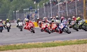 MotoGp Silverstone:  Jorge Lorenzo Re d'Inghilterra.  Marquez si arrende all'ultima curva.  Pedrosa 3°, Rossi 4°