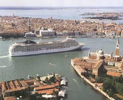 Grandi navi: l'Autorità portuale di Venezia preme sull'acceleratore. Basta perder tempo, è il momento delle decisioni