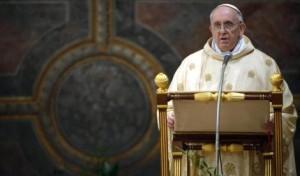 """Il Papa """"twitta"""" per la Pace  Francesco insiste: """"Mai più guerra""""!  Il confronto tra Stati Uniti e Russia"""