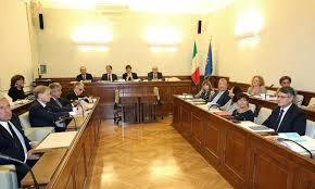 Ad un passo dalla crisi di Governo. Napolitano irritato con Berlusconi aspetta il ritorno di Enrico Letta