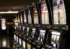 """Governo sotto al Senato sulle """"slot machine""""  Si rischia un """"buco"""" al bilancio di 6 miliardi di euro"""