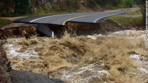 """500 persone ricercate nel Colorado.  """"Disperse"""" per le alluvioni. 4 i morti accertati"""