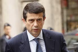 """Imminente il """"redde rationem"""" per Alitalia. Tra poche ore dall'Assemblea dei soci si saprà chi metterà il denaro per il salvataggio della compagnia. Mentre Renzi e Lupi """"duellano"""" a distanza con parole in libertà"""