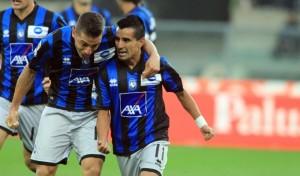 Una Roma irresistibile travolge l'Inter a San Siro 3-0. Sette giornate, 21 punti, è record. Prima, Chievo-Atalanta 0-1