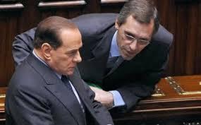 """Berlusconi: primo passo per la """"decadenza"""" dal Senato. Intanto, i suoi provano a """"passare"""" tutti con Alfano. I timori di ulteriori arresti per il leader del Centro destra"""