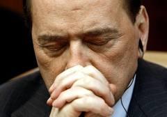 Berlusconi fa marcia indietro. Vota la fiducia a Letta. Al Senato: 235 si e 70 no. Il Pdl é diviso in vari pezzi