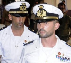 Il Governo indiano diviso sulle sorte dei due nostri Girone e Latorre detenuti da 18 mesi. Gli indiani bloccano una nave di società Usa operativa contro i pirati