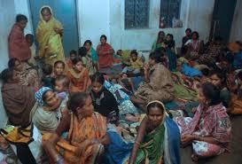 Il ciclone Phailin si é abbattuto sull'India a 200 km all'ora. Notizie sui primi morti