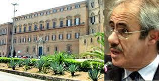 L'indignazione monta. Sempre nuove scoperte di spese pazze con i fondi regionali. Sotto accusa un centinaio di esponenti politici siciliani. Domiciliari per l'ex vice presidente della Giunta ligure