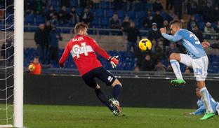 Anche la Lazio nei quarti di Coppa Italia battendo 2-1 il Parma all'Olimpico con un gol di Perea in pieno recupero