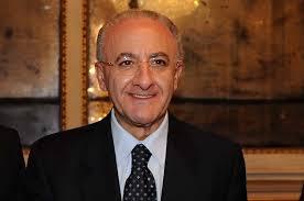 Il Sindaco di Salerno De Luca dichiarato decaduto. Per il Tribunale non può fare anche il sottosegretario del Governo