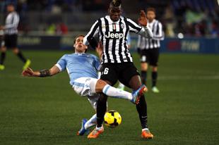 Con l'1-1 all'Olimpico la Lazio ferma la corsa delle Juventus. Pareggio 1-1 anche al San Paolo tra Napoli e Chievo