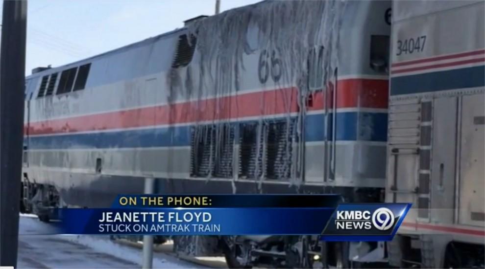 Aumentano i problemi per la morsa di neve e gelo che ha investito il Nord Est di Canada e Stati Uniti. Temperature sotto lo zero a livelli record, con i -53 del Montana. Scuole chiuse, aerei a singhiozzo e treni bloccati