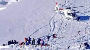 """Il filmato della micro camera non lascia dubbi: Schumacher scendeva piano con gli sci quando è caduto per una roccia coperta dalla neve. Condizioni """"stabili"""" ma sempre molto gravi."""