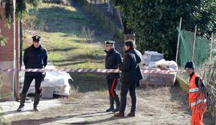 """L'autore della strage nella villetta di Caselle torinese ha confessato: """"Sono stato io"""", ha detto ai Carabinieri il convivente dell'ex domestica. Il triplice omicidio a scopo di rapina"""