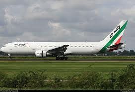 Trecento turisti italiani bloccati in Honduras e Messico per un guasto al Boeing 767 del rientro