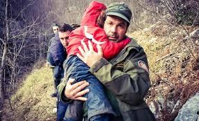 Inchiesta della Procura di Tivoli sulla sconcertante vicenda dei bimbi lasciati soli sul Monte Livata. Interrogata lungamente la madre