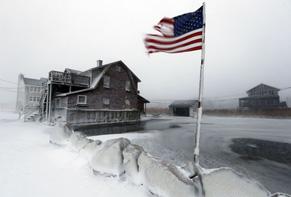 Saliti a 16 i morti nel nord est Usa per l'eccezionale tempesta di neve. Raggiunti i -25 gradi. Ora breve tregua, ma è in arrivo un'ondata di gelo ancora più forte