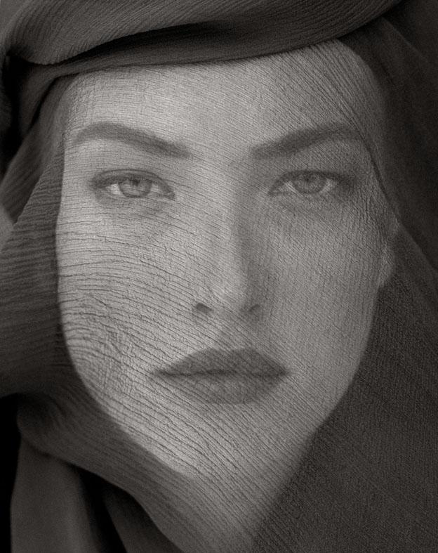 In piena luce. A Roma 100 scatti del celebre fotografo di moda Herb Ritts