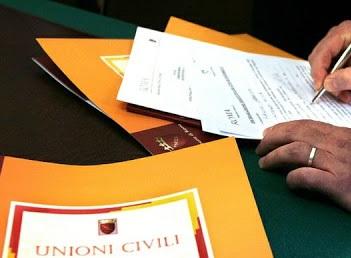 Coppie di fatto: passi avanti a Roma dell'iter per istituire il registro delle unioni civili