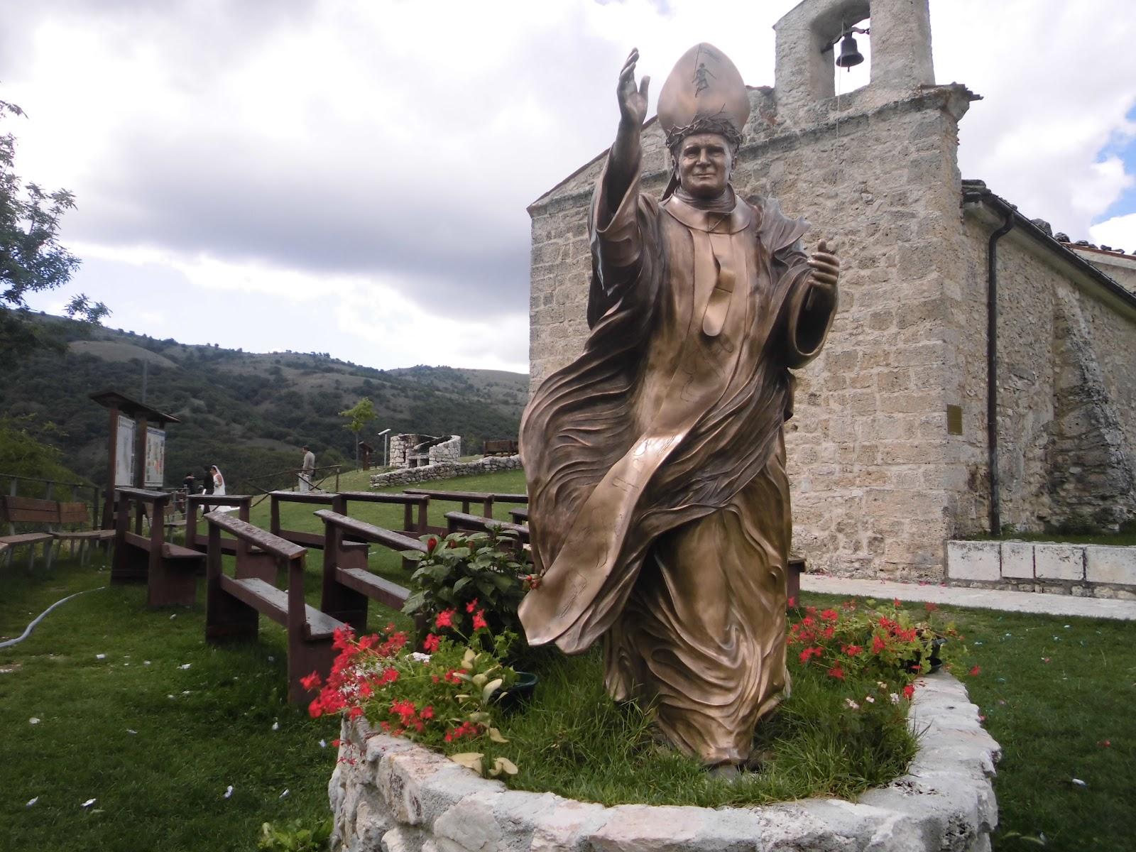 Trafugata nell'aquilano una delle poche reliquie al mondo di Papa Giovanni Paolo II