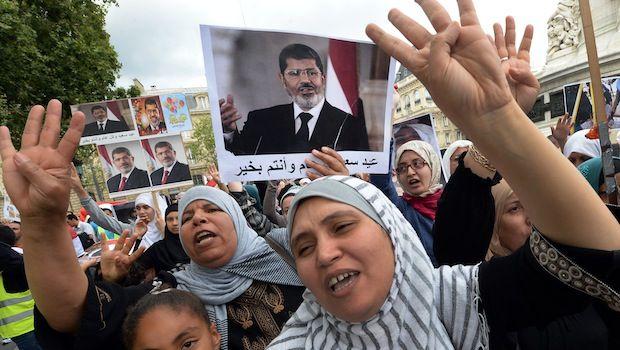Undici morti in Egitto nel primo giorno di votazione del referendum costituzionale per il futuro del Paese